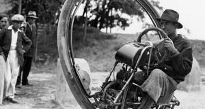 Новата мото-мания моноциклета – колкото е готин, толкова е и опасен